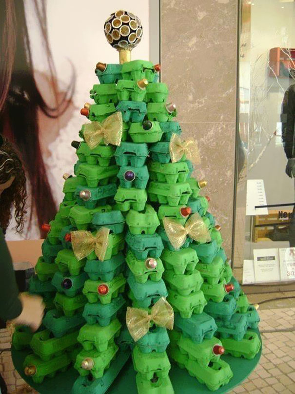 alternative_christmas_tree_eggcarton